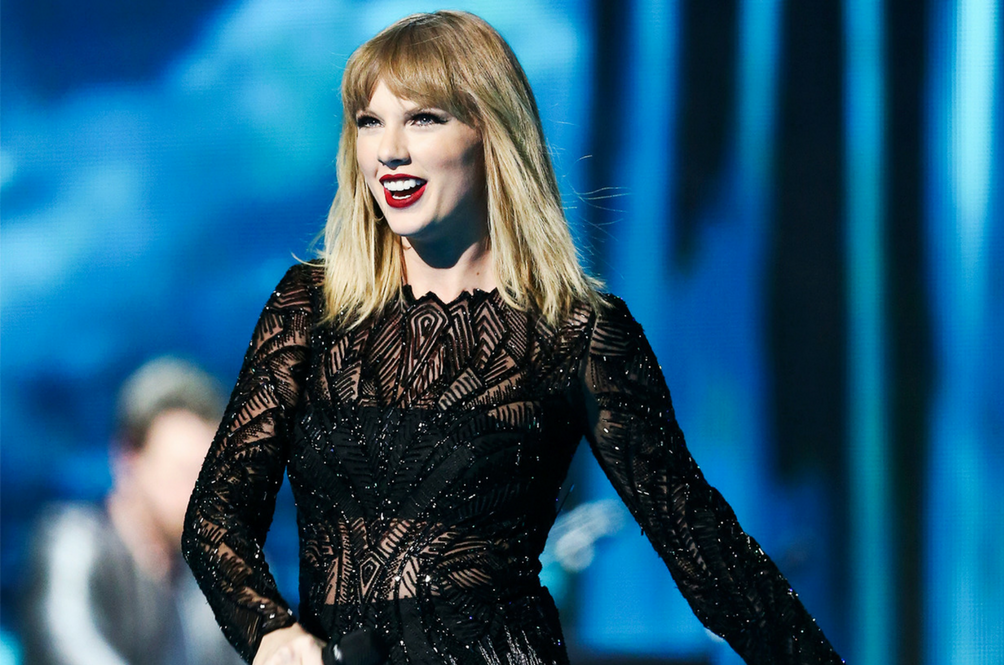Taylor Swift Is Acting Strange On Social Media