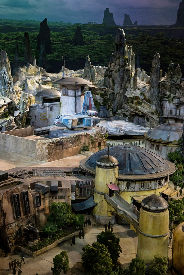 You can finally dress up as your favourite 'Star Wars' character in an actual 'Star Wars' land!