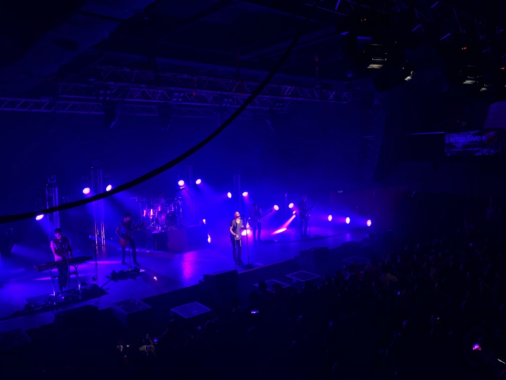 The whole place turned purple when the band performed the iconic song.