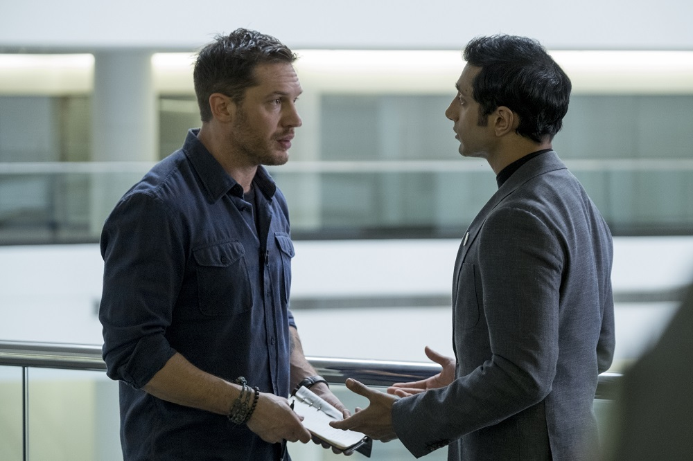 Eddie Brock (Tom Hardy) and Carlton Drake (Riz Ahmed) remind us of Superman and Lex Luthor.