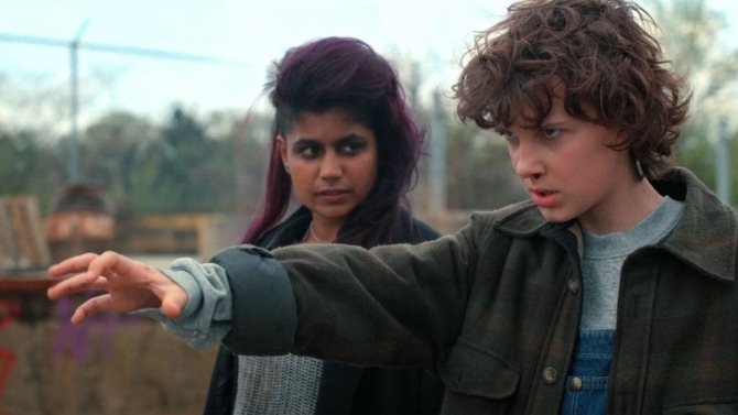 Eleven meets Kali, another girl with similar powers.
