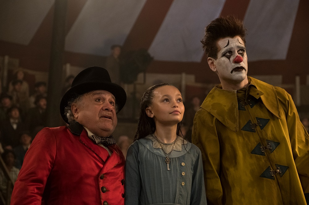 Yup, that is Colin Farrell in clown makeup.