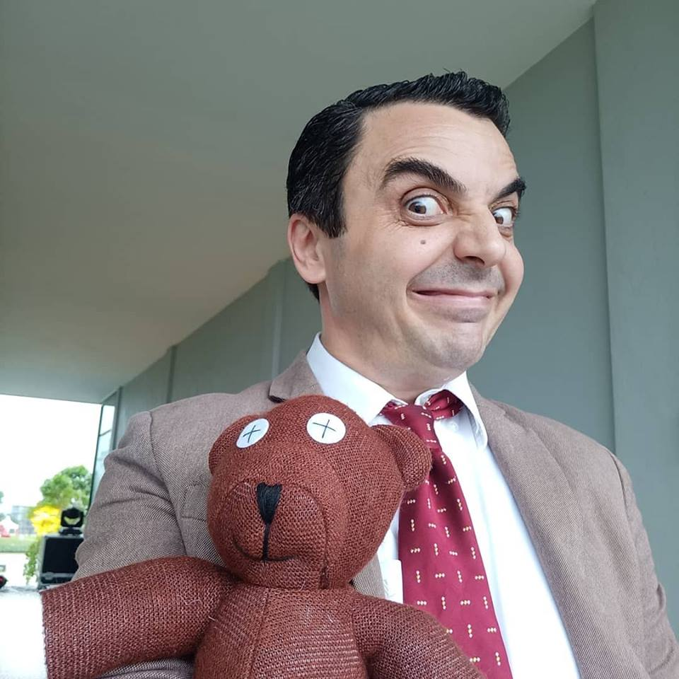 He does look like Mr. Bean, doesn't he?