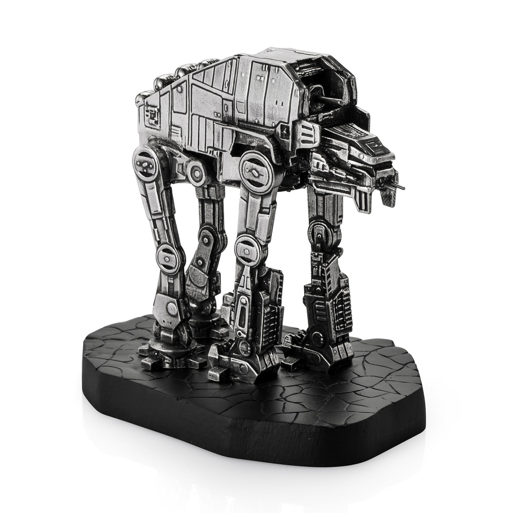 The gorilla-inspired AT-M6 has details that are meticulously recreated, including the heavy braces, knee joint covers, laser cannons and armour.