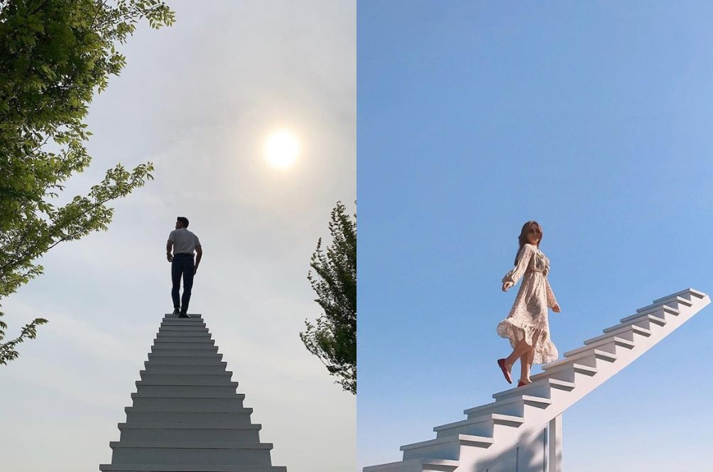 This Korean Café Made A Real-Life 'Stairway To Heaven' And It's Perfect For The 'Gram