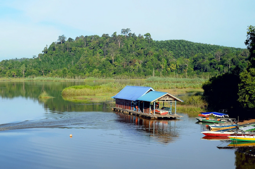Did You Know That One of Malaysia's Natural Lakes Has Completely Dried Up?