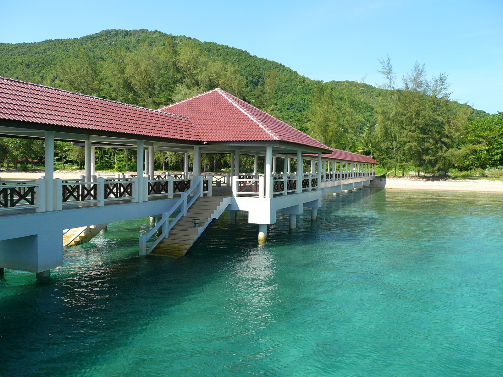 The Pulau Bidong jetty, only 20 minutes by boat from the Merang jetty.