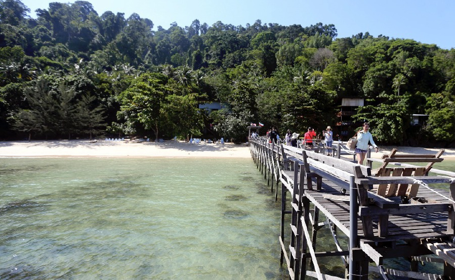 Mari-Mari Resort located in Pulau Sepanggar, Sabah.