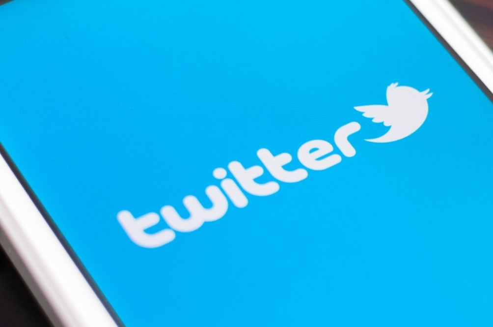 Your Twitter Timeline Is Finally In Reverse Chronological Order