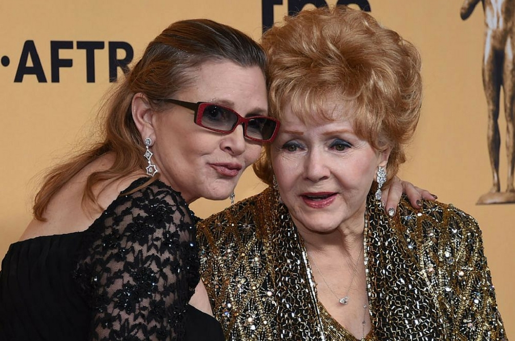 Carrie Fisher's Mother, Debbie Reynolds, Passes Away A Day After Her Daughter's Death