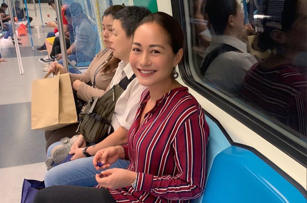 Actress Maya Karin Wins Praises For Taking The MRT To Awards Ceremony