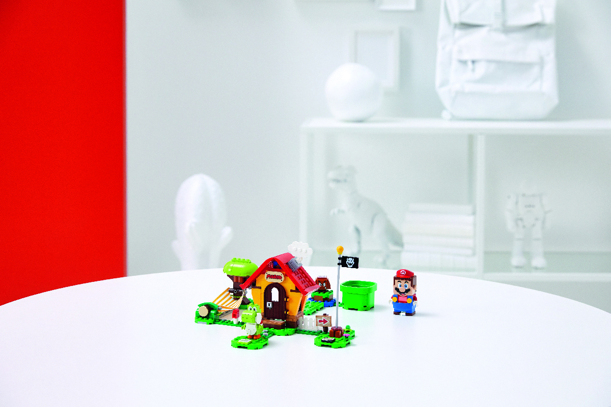 Mario's House & Yoshi Expansion Set.
