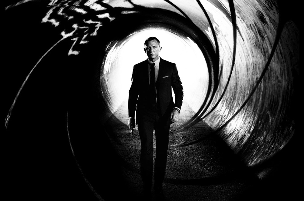 Filming Of 'Bond 25' Stopped After Daniel Craig Fell And Injured Himself