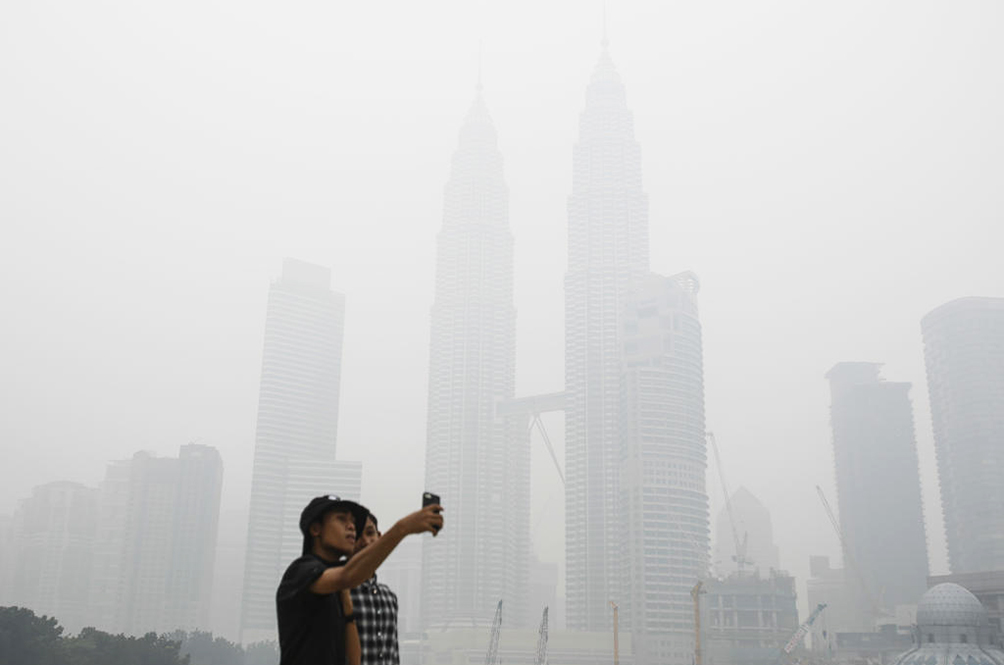 Thousands Of Chinese Tourists Cancelled Their Holidays In M'sia Due To The Haze