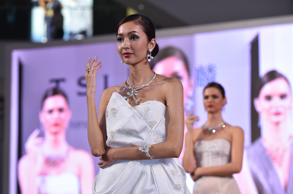 An Exhibition With RM80mil Worth Of Jewellery Is Coming To Malaysia