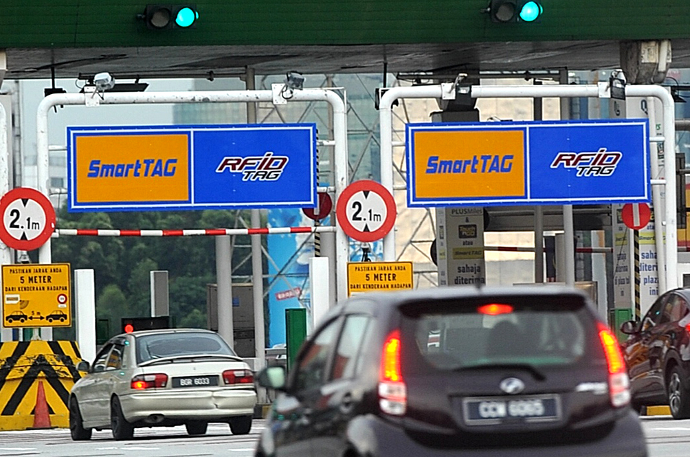 On 1 January, These 62 Toll Plazas On 24 Highways Will Accept RFID Payment