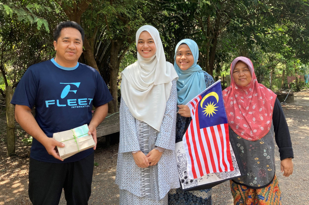 Terengganu Siblings Start Crowdfunding Movement To Help Their Poor School Friends Buy Face Masks