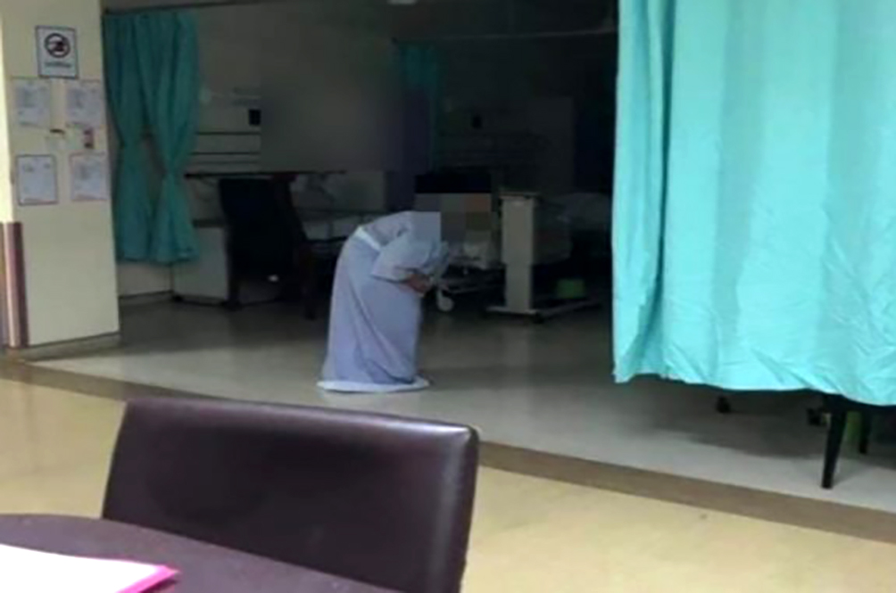 'Nenek Kebayan' Spotted At Seremban Hospital Turns Out To Be Just A Really Old Woman