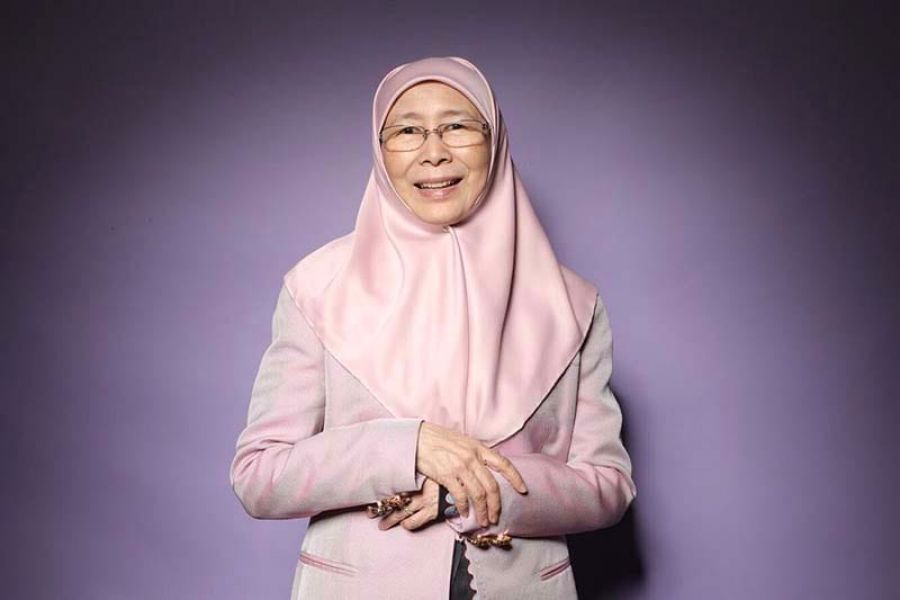 Dr Wan Azizah leading the way.