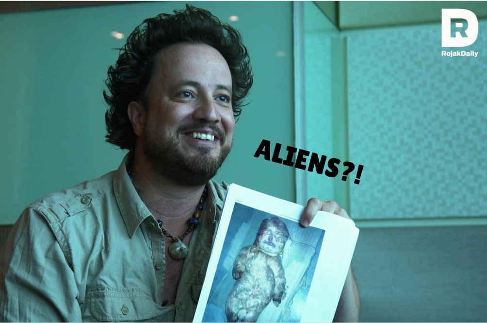 We Talked to the Aliens Meme Guy for a Full 8 Minutes and 52 seconds