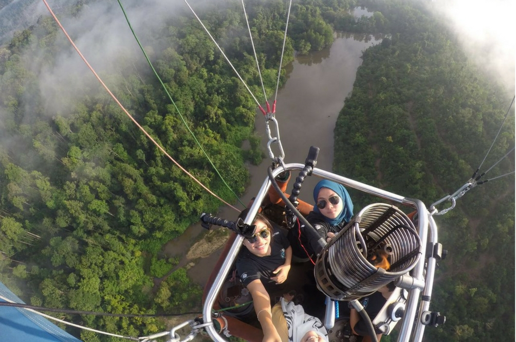 Meet Two of Malaysia's First Female Hot Air Balloon Pilots