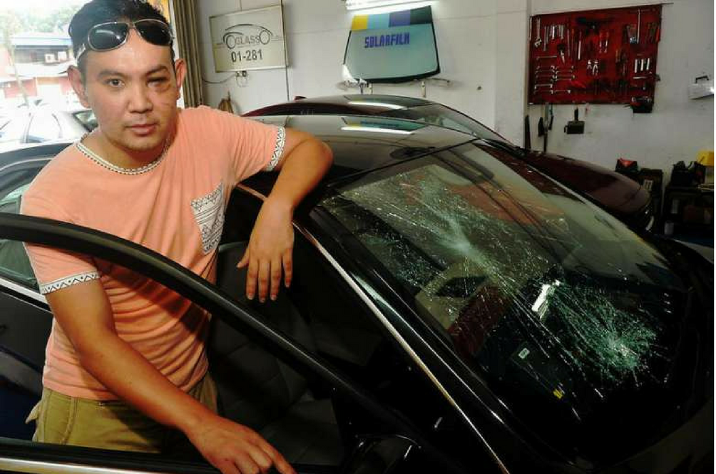 This Singaporean Might be Victim to Malaysian Robber's New Crash-for-Cash Trick