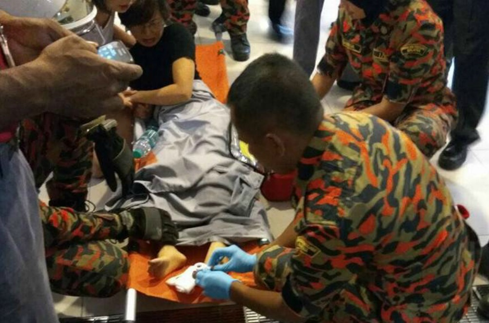 Woman Fractures Toes In Yet Another Escalator Incident In Subang Jaya
