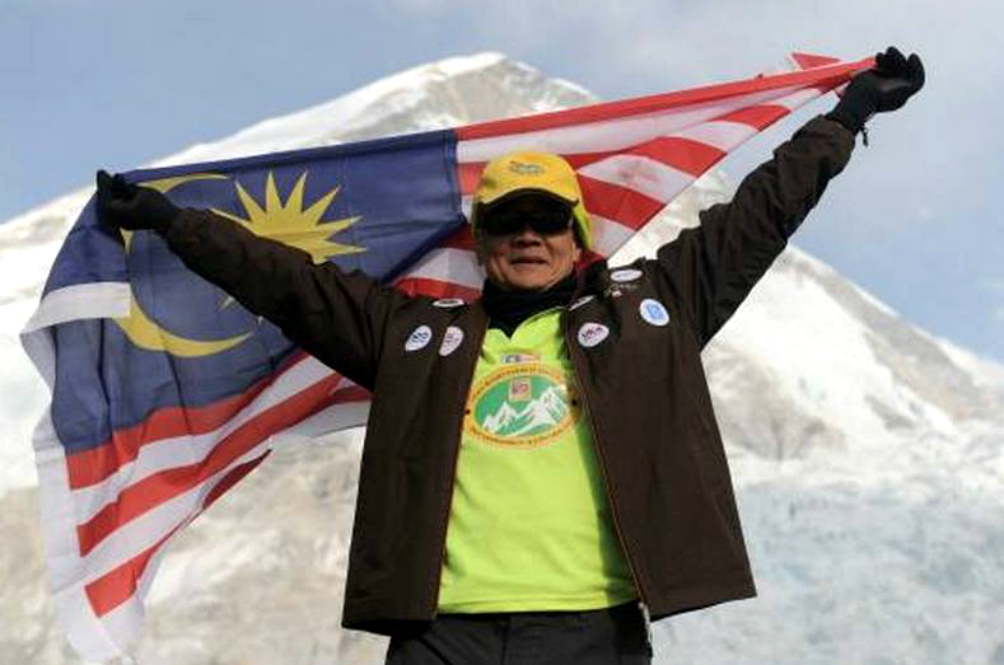 The Oldest Malaysian To Climb Mount Everest Forced To Cancel Ascent