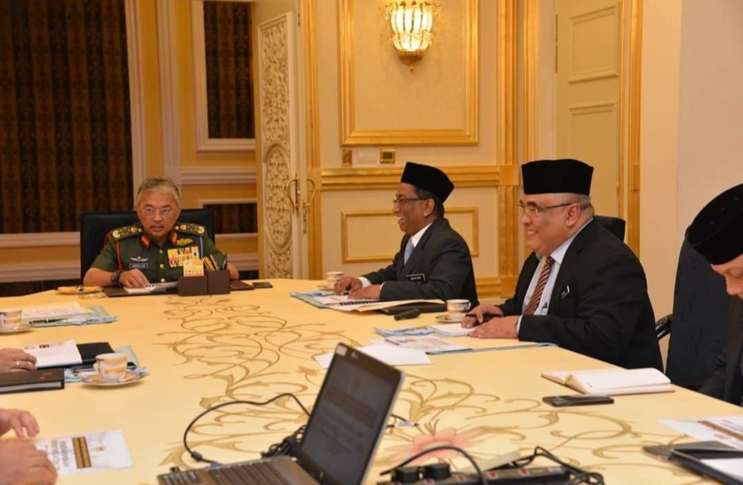 A briefing on the preparation of the Northeast monsoon with the Supreme Head of Malaysia.