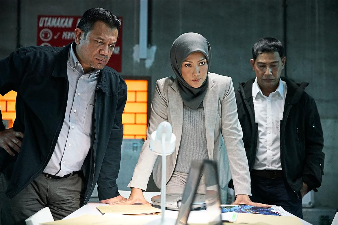 Erra Fazira plays a crisis negotiator in 'Polis Evo 2'.