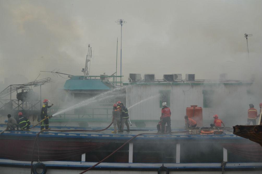 Seorang Terbunuh, 5 Melecur Teruk Dalam Letupan Kapal