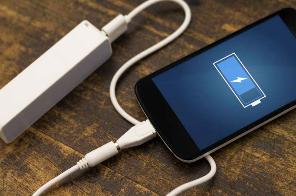 5 Kemalangan Akibat Penggunaan Telefon Bimbit Yang Sedang Dicas