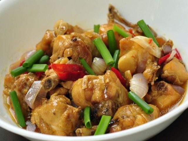 Cuba try dengan nasi impit, sedap!