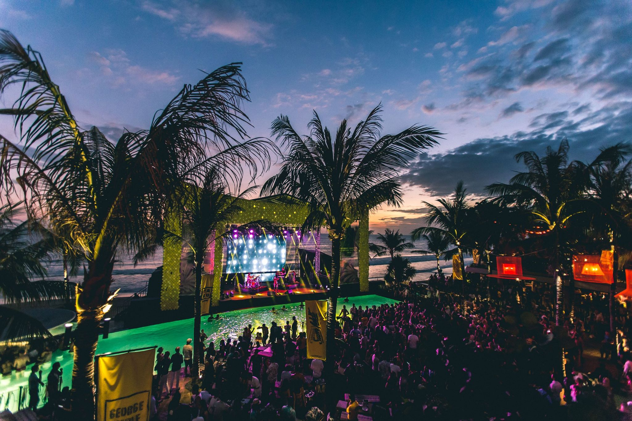 Music festival and a beach backdrop? Wonderful!